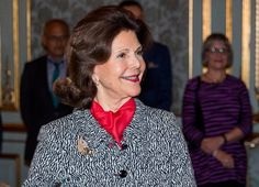 Queen Silvia presented scholarship from Queen Silvia's Jubilee Fund