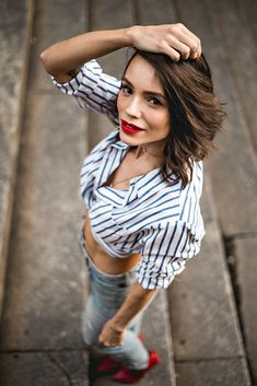 New Photography People Street Friends Ideas Portrait Photography Poses, Couple Photography Poses, Photography Women, Photo Poses, Female Modeling Poses, Female Poses, Poses Modelo, Perspective Photography, Photos Of Women