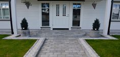 Billedresultat for inngangspartier Outdoor Gardens, Garage Doors, Sidewalk, Patio, Outdoor Decor, Inspiration, Design, Home Decor, Wall