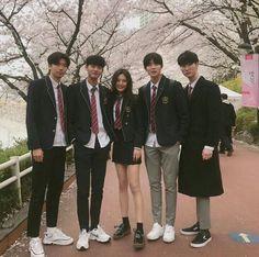 Si estuvieras en NCT in 2020 Style Ulzzang, Ulzzang Korean Girl, Ulzzang Fashion, Korean Fashion, Fashion Mode, Korean Best Friends, Boy And Girl Best Friends, Korean Aesthetic, Aesthetic Girl