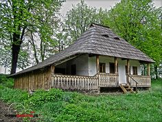 Eastern Europe, Traditional House, Places To Go, Buildings, Cabin, House Styles, Photography, Home Decor, Log Houses