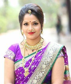 Beautiful Saree, Beautiful Indian Actress, Beauty Full Girl, Beauty Women, Indian Wedding Photography Poses, Indian Girls Images, Indian Beauty Saree, Marathi Bride, Marathi Wedding