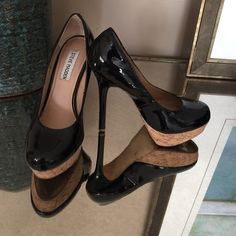 """Steve Madden heels Cute black patent heels by Steve Madden. These are a reposh!  Just a tick to big making it to where my heels slide!  Has 5"""" heel with 1 1/2"""" platform!   They are super cute and I wish they fit!!  all leather uppers! Steve Madden Shoes Heels"""