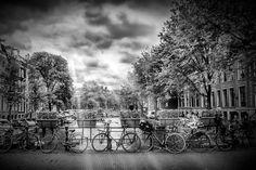 Neu in meiner Galerie bei OhMyPrints: AMSTERDAM Herengracht | Typische Stadtansicht in Monochrom #Amsterdam #typisch #Fahrrad #Stadtansicht cityscape #typically #bicycle #Gracht #canal #Herengracht