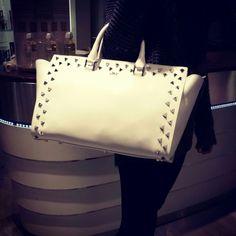 Gusto rock per le nuove borse J&Celine #bags #borse #shopping #fashion #bussolastore.com #glamour #cool #madeinitaly #leather #rock
