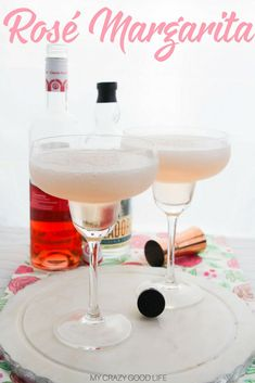 Did you know that National Rosé Day is coming up? Celebrate summer with this wine margarita! Give this Rosé margarita a try–the recipe makes two.but I'm not saying you have to share! Vodka Cocktails, Easy Cocktails, Summer Cocktails, Fun Drinks, Yummy Drinks, Alcoholic Drinks, Martinis, Cold Drinks, Margaritas