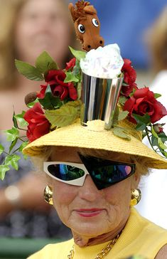 Kentucky Derby - need I say more? Funky Hats, Crazy Hats, Cool Hats, Derby Attire, Derby Horse, Run For The Roses, Derby Day, Kentucky Derby Hats, Hat Making