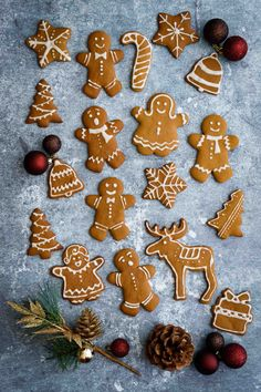 Crunchy, Sweet n Spiced Gingerbread Cookies with the Flavors of Ginger, Cinnamon and All Spice… The Perfect Holiday Treat…! Holiday Treats, Christmas Treats, Christmas Cookies, Shortbread Recipes, Cookie Recipes, Vegan Recipes, Best Gingerbread Cookies, Gingerbread Recipes, Christmas Deserts
