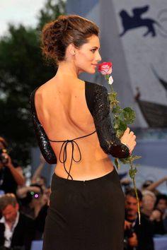 La bella Marica riuscirà a sposare Eros?    http://www.pianetadonna.it/foto_gallery/gossip/matrimoni-famosi-vip-e-personaggi-presente-passato/marica-pellegrinelli-si-sposera-presto-con-eros-ramazzotti.html