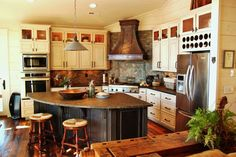 I love the open kitchen layout. I feel like you stay connected with the whole living area.