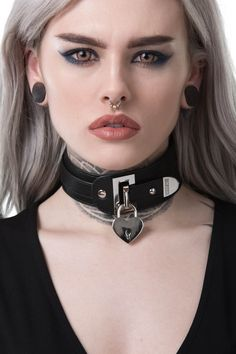 Gianna Choker [B] - Halsreifen - halskette Fetish Fashion, Gothic Fashion, Steam Punk, Collars Submissive, Goth Beauty, Collar And Cuff, Neck Collar, Goth Girls, Leather Accessories