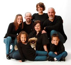 Family of 7 pose with dog