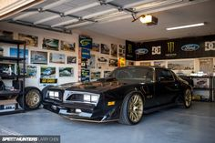 Pontiac Trans Am Gen - Gregg Hamilton's Hoonigan Trans Am. LS conversion with twin turbo, ZF six speed etc. Pontiac Trans Am 1977, Pontiac Firebird Trans Am, Pontiac Banshee, My Dream Car, Dream Cars, F100, Chen, Chevrolet Camaro, Corvette