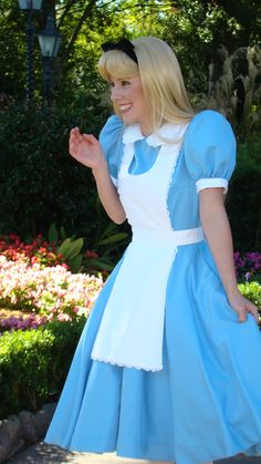 Alice in Wonderland - England, Epcot