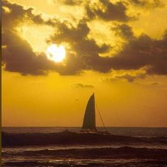 Imagine watching the #sunset from a #sailboat!  #bucketlist #costarica #crexperts
