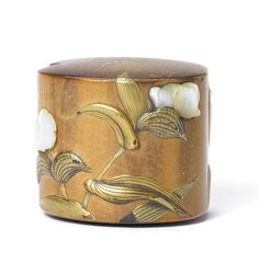 A lacquered bamboo netsuke By Iizuka Toyo, century Decorated with flowers in gold takamakie and inlaid raden, a loose metal ring forming the himotoshi, signed Toyo with kao. Japanese Culture, Japanese Art, Japanese Screen, Bamboo Art, Art Japonais, Japanese Characters, Chrysanthemums, Metal Ring, Minka