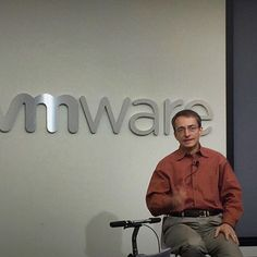 Pat Gelsinger hosted a Q & A session with all the interns and gave them insight into VMware's business model, its future, and a taste of the daily life of a CEO