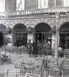 caffe degli specchi piazza unita' Trieste, Black White Rooms, Black And White, Paint Photography, Slovenia, Wonders Of The World, Venice, Travelling, Colorado