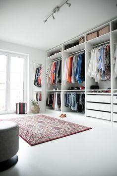 Home Story Ikea pax Kleiderschrank black palms Walk In Closet Design, Bedroom Closet Design, Master Bedroom Closet, Closet Designs, Bedroom Decor, Dressing Pax Ikea, Dressing Room Closet, Dressing Room Design, Dressing Rooms