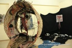 textile pocho guimaraes - Szukaj w Google Hanging Chair, Dream Catcher, Textiles, Google, Artist, Furniture, Home Decor, Hammock Chair, Dreamcatchers