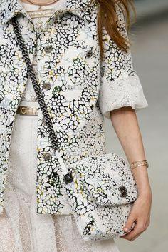 Chanel Spring 2015 Ready-to-Wear - Collection - Gallery - Look 1 - Style.com Besuche unseren Shop, wenn es nicht unbedingt Chanel sein muss.... ;-)