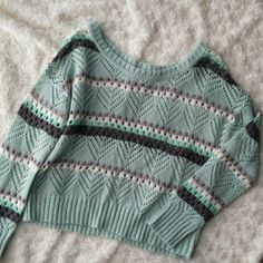 Mint and gray crop sweater Soft and comfortable.  Love these colors. Need a tank or cami under. Good condition. Xhilaration Sweaters
