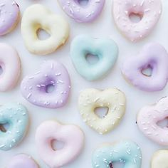 Pastels and donuts  @partywithlenzo #vscofood #baking #pastel