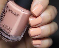 The 35 Prettiest Wedding Nail Colors - pretty soft peach nails Blush Pink Nails, Peach Nails, Blue Nails, Wedding Nail Colors, Wedding Nails, Nail Design Video, Diamond Nails, Neutral Nails, Prom Nails