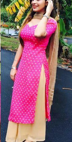 Designer Punjabi Suits, Indian Designer Wear, Indian Suits, Indian Wear, Churidar Designs, Girl Fashion, Fashion Outfits, Beauty Full Girl, Indian Fashion