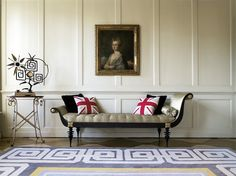 From Living in Style London by Monika Apponyi This is the design I want for the dining room walls.