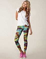 Cyber Print Leggings från Club L Printed Leggings, Cyber, My Style, Womens Fashion, Model, Pants, Clothes, Print Leggings, Trousers