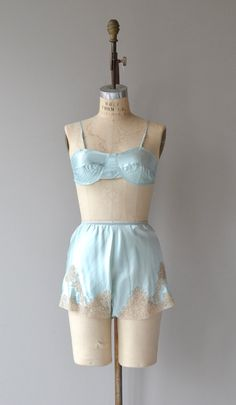 Vintage 1930s minty green silk bra and tap pants set with elastic waist and ecru lace. ★ layaway is available for this item  ✂-----Measurements  fits