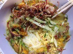 Nom Bon Chok Tirk Somlar Khmer-Cooking Cambodian/Khmer food with Elissa. Cambodian Food, Cambodian Recipes, Asain Food, College Meals, College Food, Laos Food, Asian Recipes, Thai Recipes, Asian Cuisine