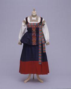 Women's Costume from Italy, Piedmont, Fobello. Presented by Estella Canziani in 1931 #bmag130