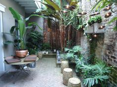 This is my kind of courtyard, real intimate