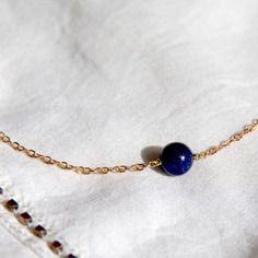 Collier perle ronde de lapis-lazuli & chaîne laiton brut (doré), idée cadeau, bijou fin, ethnique chic, bleu / Myo jewel