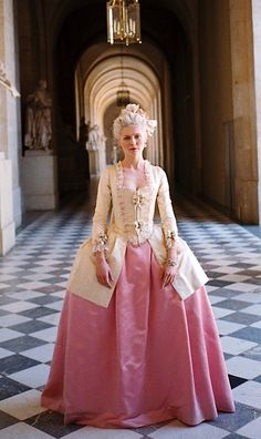 Kirsten Dunst as Marie Antoinette, 2006 | All things About Marie | Rosamaria G Frangini