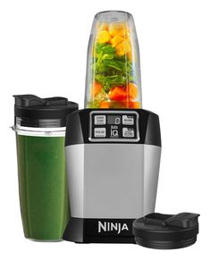 Nutri Ninja Blender with Auto-iQ - - Space Grey. 1000 Watt Motor with Ice Crushing Technology & Pulse Function. Press the button once and Nutri Ninja with Auto iQ does the work for you. Ninja Mixer, Cuisinart Food Processor, Food Processor Recipes, Ninja Blender Smoothies, Protein Smoothies, Fruit Smoothies, Smoothie Mixer, To Go, Frozen Cocktails