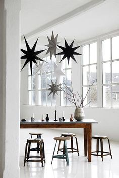 Extra Large White Cardboard Hanging 9 point Stars to hang alone or in clusters. Lovely Scandinavian Christmas Decorations from House Doctor at Design Vintage. Scandinavian Christmas, Modern Christmas, White Christmas, Christmas Stars, Christmas 2014, Christmas Presents, Christmas Journal, Christmas Mood, Christmas Paper
