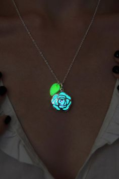 Glow in the Dark Necklace - Flower with Leaf - Glowing Pendant - Glow  Leaves - Green Leaf - Glowing Jewelry - Glowing Flower - Glowing Leaf cf17886744af