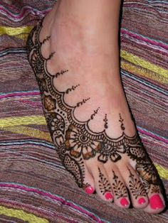 gorgeous feet henna