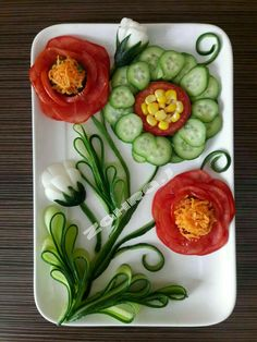 The purpose of this page is to provide comfortable - Food Carving Ideas Veggie Platters, Veggie Snacks, Veggie Tray, Salad Design, Food Design, Food Crafts, Diy Food, Creative Food Art, Fruit And Vegetable Carving