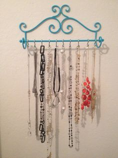 Held by shower curtain rings. hang in your closet Necklace Storage, Diy Necklace, Jewellery Storage, Jewelry Organization, Necklace Holder, Patio Yard Ideas, Plunder Jewelry, Clothes Crafts, Jewelry Holder