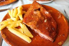 Tostón asado, de 'El Tostón de Oro' (Mozárbez-Salamanca)