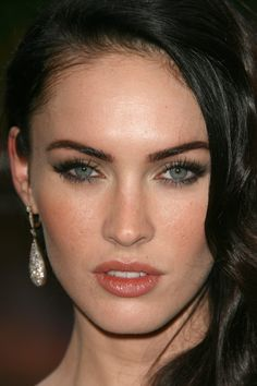 gold eyes makeup megan fox