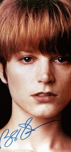 Bridget Fonda Single White Female, Bridget Fonda, Female Actresses, Love Movie, Special People, Famous Faces, Red Hair, Redheads, Movie Stars
