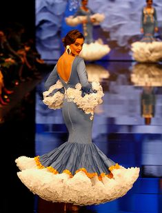SImof 2018: el desfile de Rosapeula, en fotos | J.M. Serrano / Vanessa Gómez Spanish Dress, Spanish Dancer, Flamenco Dresses, Flamenco Dancers, 50 Fashion, African Fashion, Fashion Outfits, Petticoats, Mermaid Gown