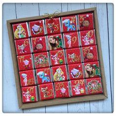 Porque o Natal é mágico para as crianças e pelos sorrisos delas fazemos tudo criamos este calendário para uma super mamã que quer ver os sorrisos das suas princesas todos os dias!  #princesses #adventcalendar #christmas #counting #santa #holyspirit #party #chocolate