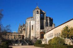 Roteiro Tomar: vamos visitar a cidade dos Templários? - Roteiros - SAPO Viagens Portugal, Knights Templar, Medieval Castle, Grand Tour, Algarve, Notre Dame, Tours, Mansions, Christ