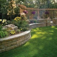 38 Amazingly Green Front-yard & Backyard Landscaping Ideas Get Basic Engineering, Home Design & Home Decor. Amazingly Green Front-yard & Backyard Landscaping Ideasf you're anything like us, y Diy Retaining Wall, Backyard Retaining Walls, Retaining Wall Design, Concrete Retaining Walls, Fence Design, Concrete Blocks, Patio Design, Concrete Walls, Brick Pavers